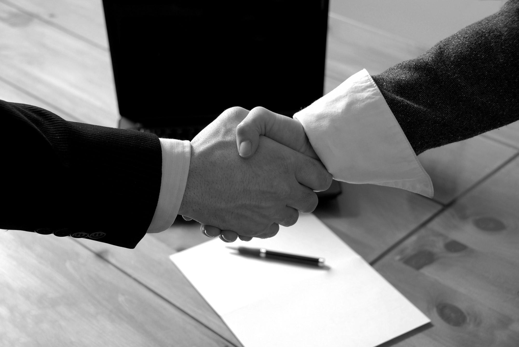 A importância da assessoria contratual